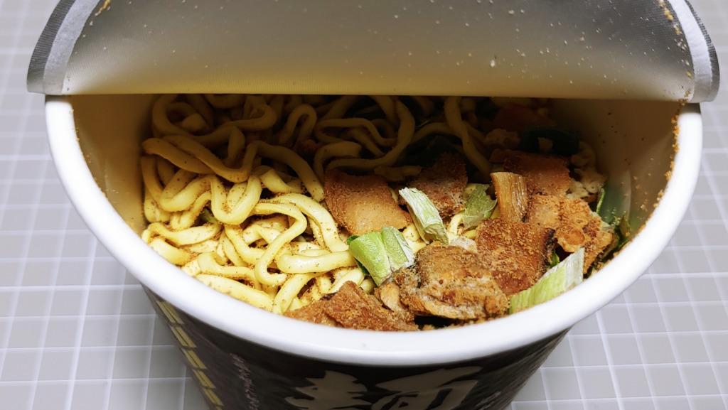 明星 麺神(めがみ)