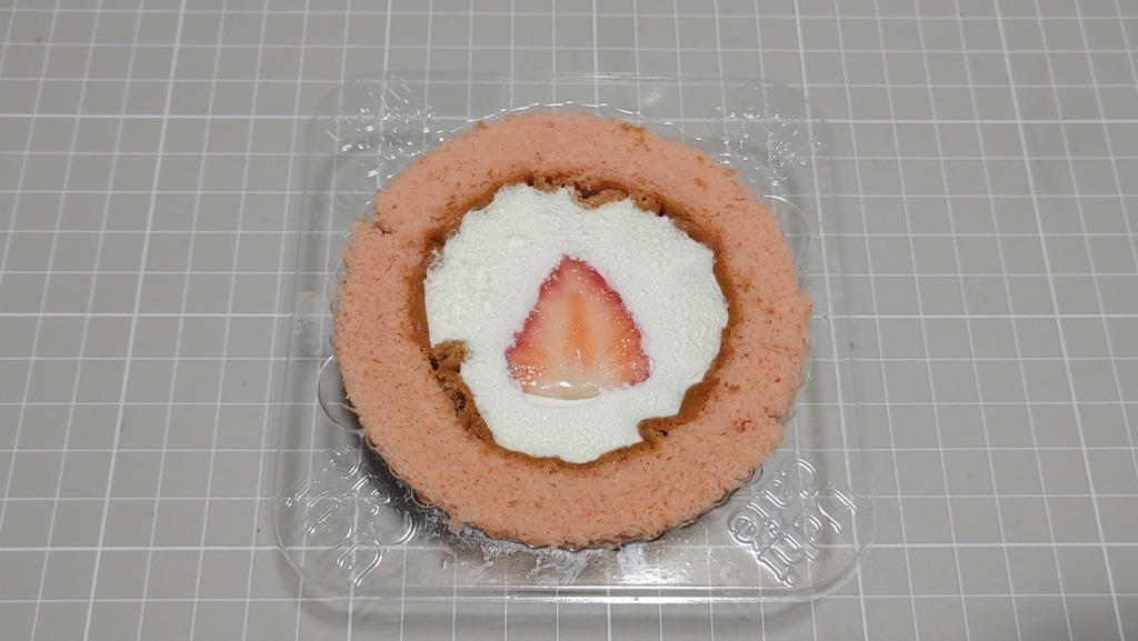 ローソン 苺みるくロールケーキ